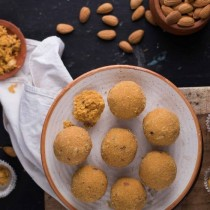 Almond House Besan Laddu